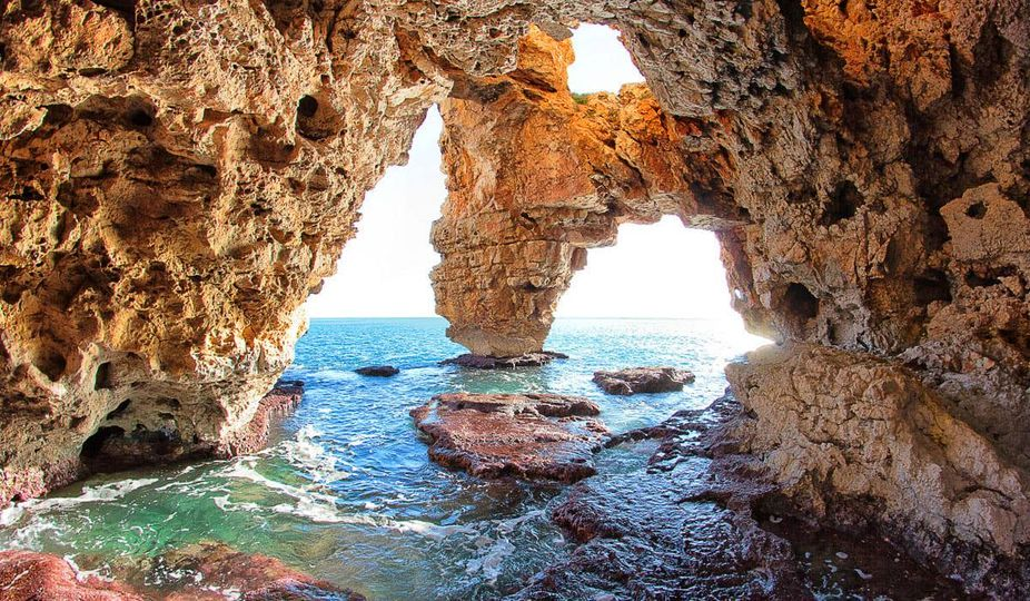 Read more about the article Jaskinia przy plaży Cala del Moraig